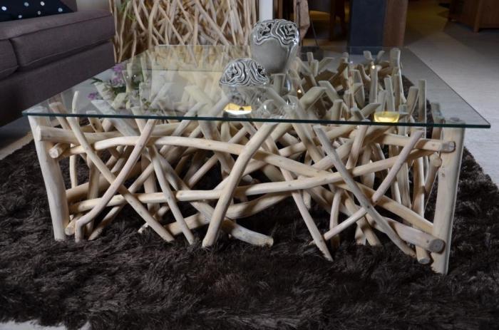 Table basse carr e avec branches en teck pour salon walk - Table basse pour chambre ...