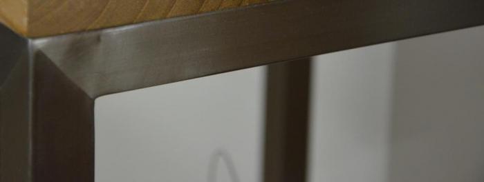 Meuble en teck et inox loft pour une salle de bain for Salle de bain inox