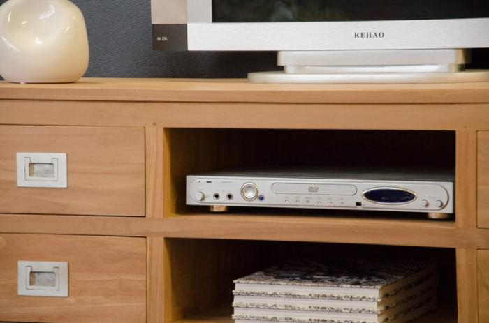 Meuble tv 130 cm de long tina avec 4 tiroirs et 2 for Meuble tv tres long
