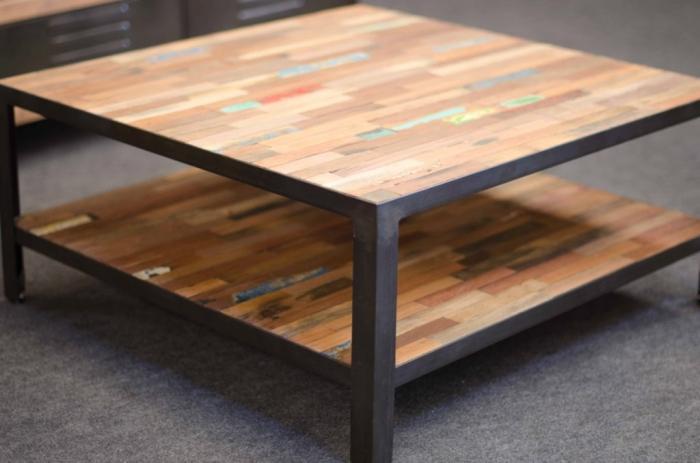 Table Basse Industrielle Carrée Cadre En Métal Et Bois Recyclé