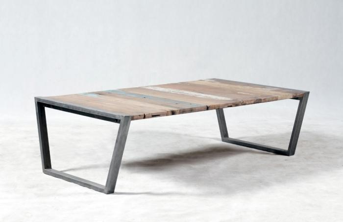 table basse rectangulaire industrielle et vintage bois recycl et de m tal. Black Bedroom Furniture Sets. Home Design Ideas