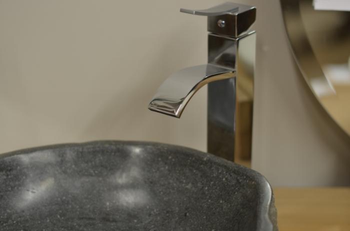 Acheter vasque galet de rivi re pour salle de bain walk for Acheter galet decoratif