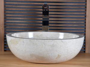 Vasque en marbre aux formes originales pour la salle de bain for Vasque beige salle de bain